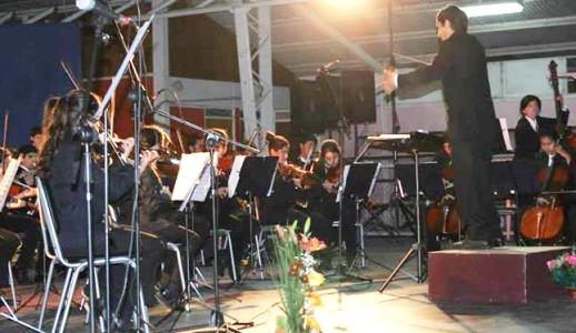 Orquesta de Cámara de Freirina deleita a los vecinos con gala de invierno