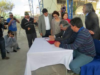 Carrizal Bajo, Totoral y Canto de Agua se adjudican proyecto de electrificación