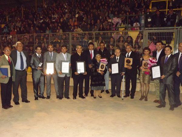 Jefe de Urgencia de Hospital Provincial recibe medalla Ambrosio O´Higgins en aniversario de Vallenar