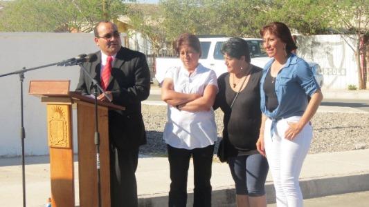 Inauguran soluciones sanitarias y pavimento para familias de Domeyko