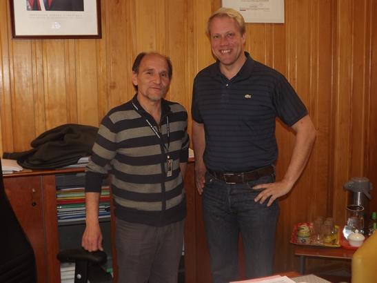 Empresa minera compromete donación de furgón de traslado para Hospital Provincial