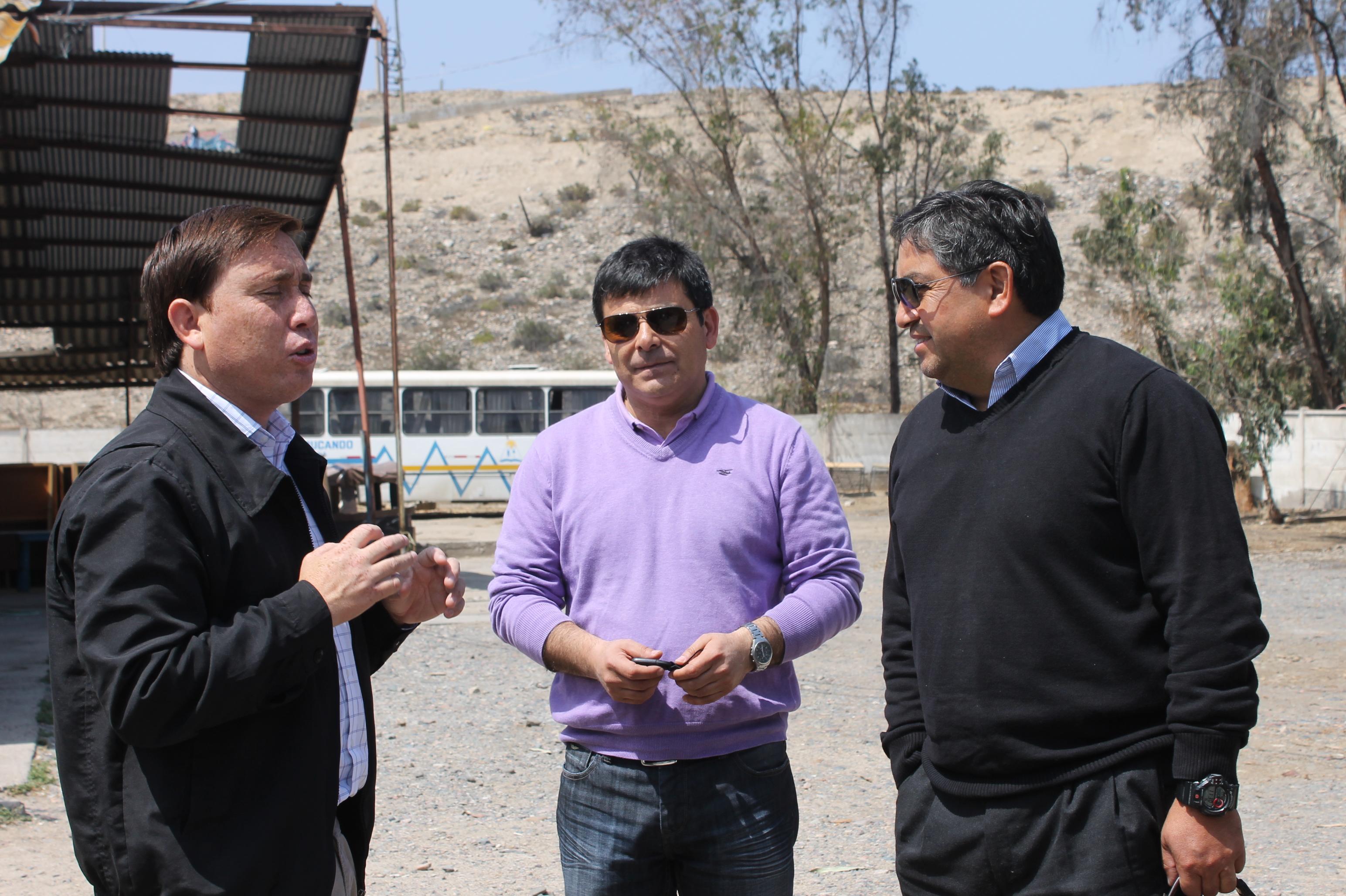 Empresa Tamarugal se reúne con alcalde de Freirina para buscar soluciones a inquietud de vecinos