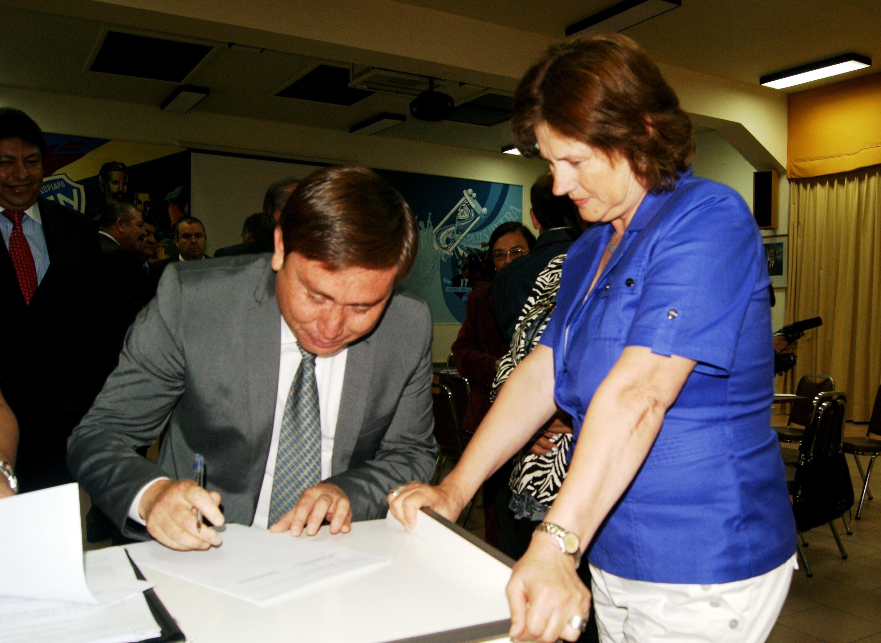 Entregan más de 680 millones de pesos para educación en la provincia del Huasco