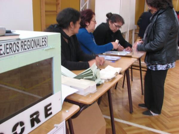 Primera elección presidencial con voto voluntario registra menor participación desde 1989