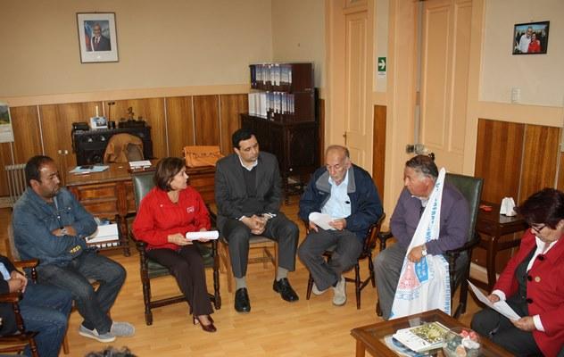 Gobernadora recibe a los alcaldes de la provincia por demandas del sector municipal