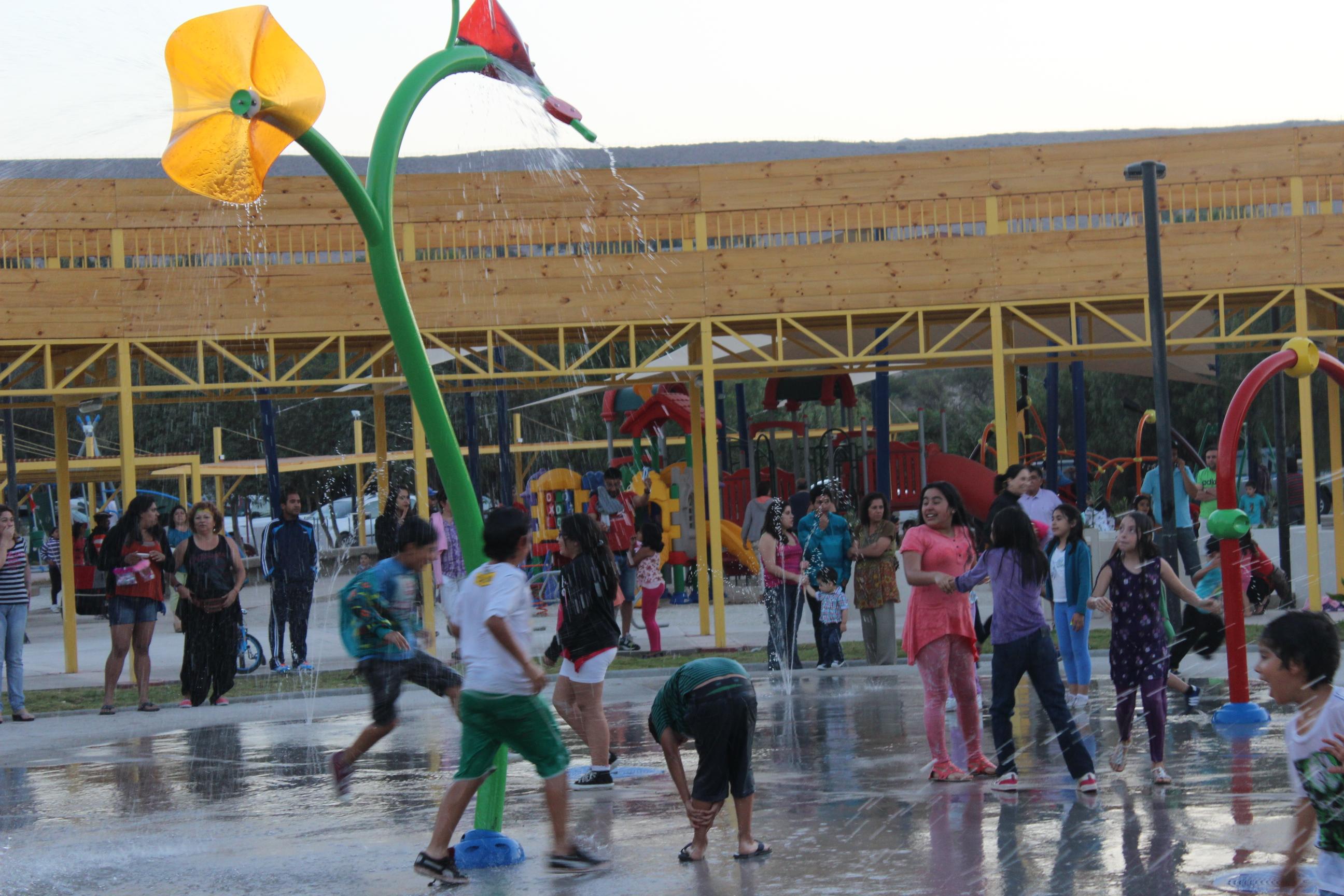 Inauguran nueva plaza de juegos en sector Quinta Valle