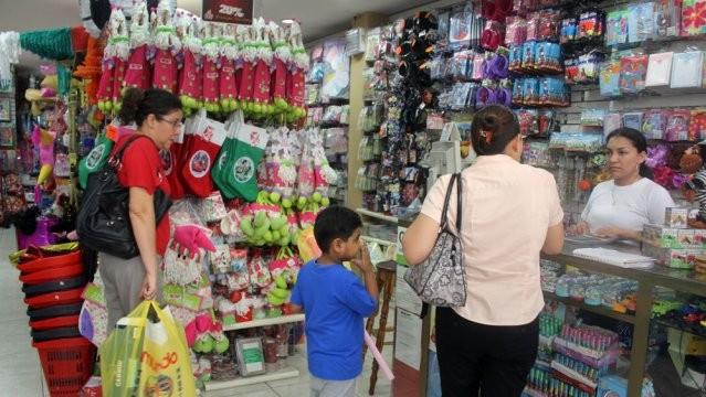 Autoridad Sanitaria realiza recomendaciones para adquirir   juguetes previo a Navidad
