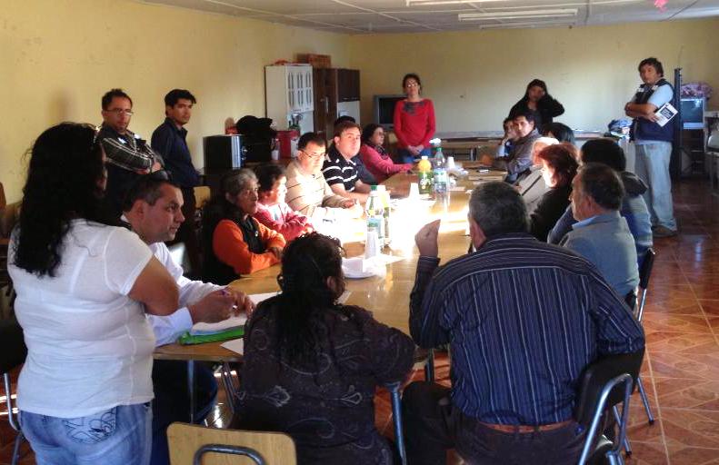 Vecinos de Las Tablas se informan sobre proyecto