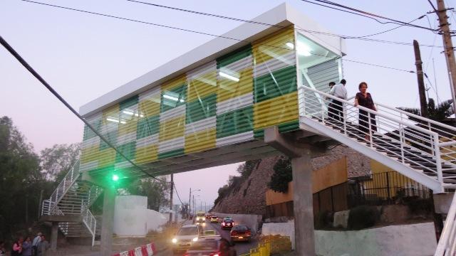 Vecinos de Torreblanca ya cuentan con nueva Pasarela Peatonal