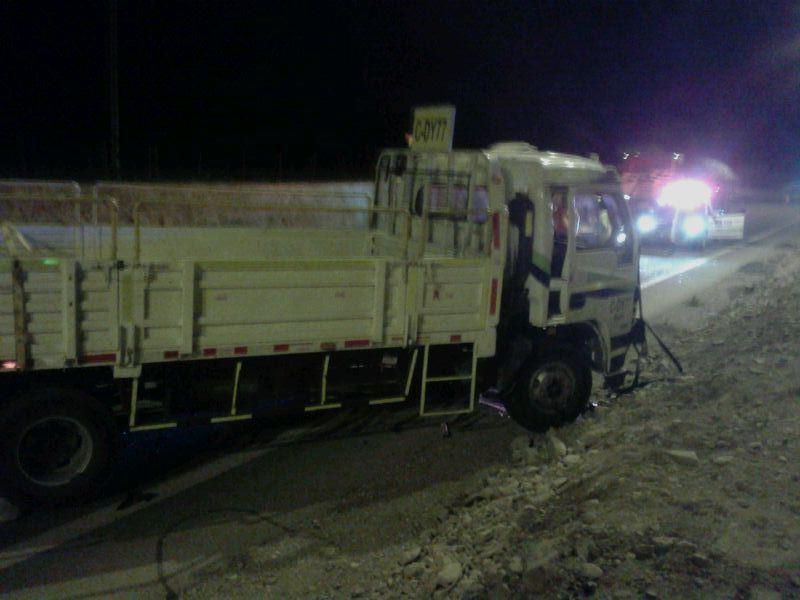 Camión 3/4 sufre accidente en doble vía Vallenar- Copiapó: Dos lesionados