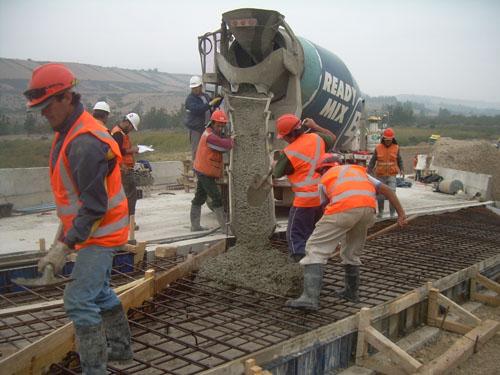 Gobierno apunta a mejorar cifras de empleo y pone énfasis en los dineros de reconstrucción que no se utilizaron