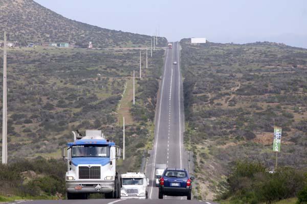 Seremi MOP Atacama conoce avances en ejecución de las obras de la doble vía La Serena - Vallenar