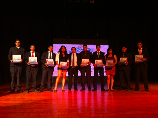 Sence y CMP certifican  a jóvenes  del  programa formación en el puesto de trabajo  2013