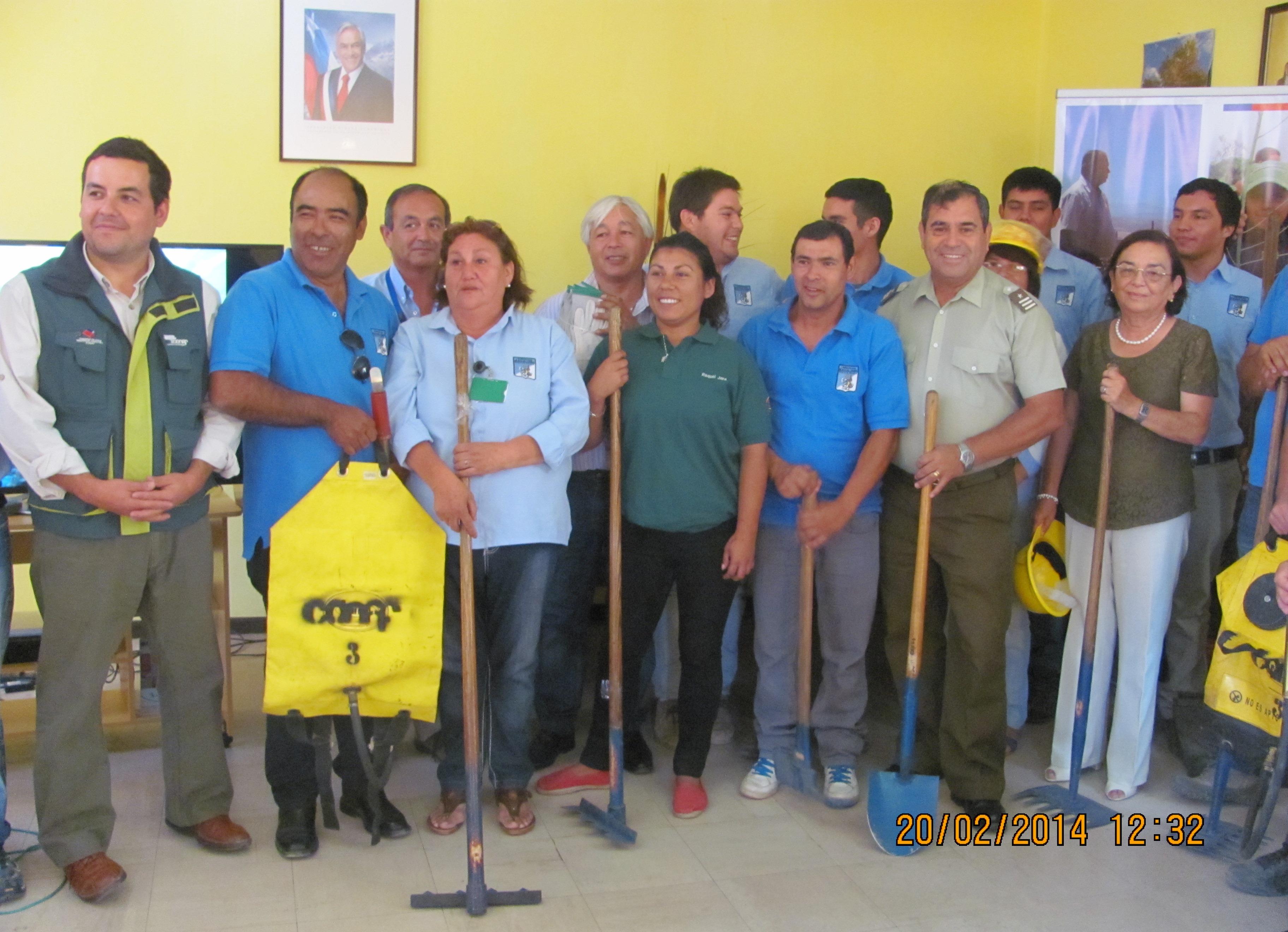 Entregan equipos para apoyar el combate de incendios forestales en Alto del Carmen