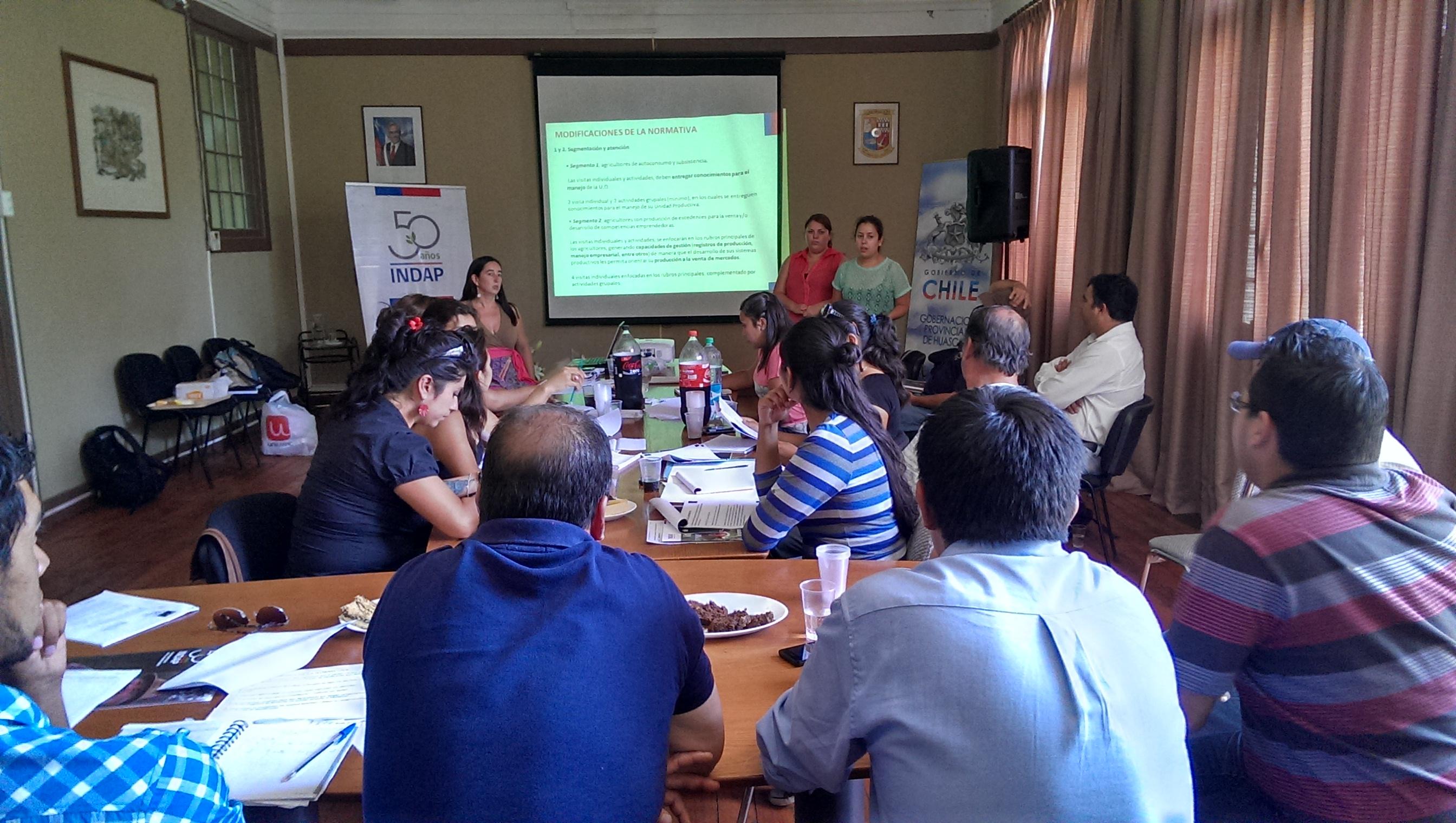 Equipos técnicos Prodesal se reúnen en Vallenar para planificar 2014