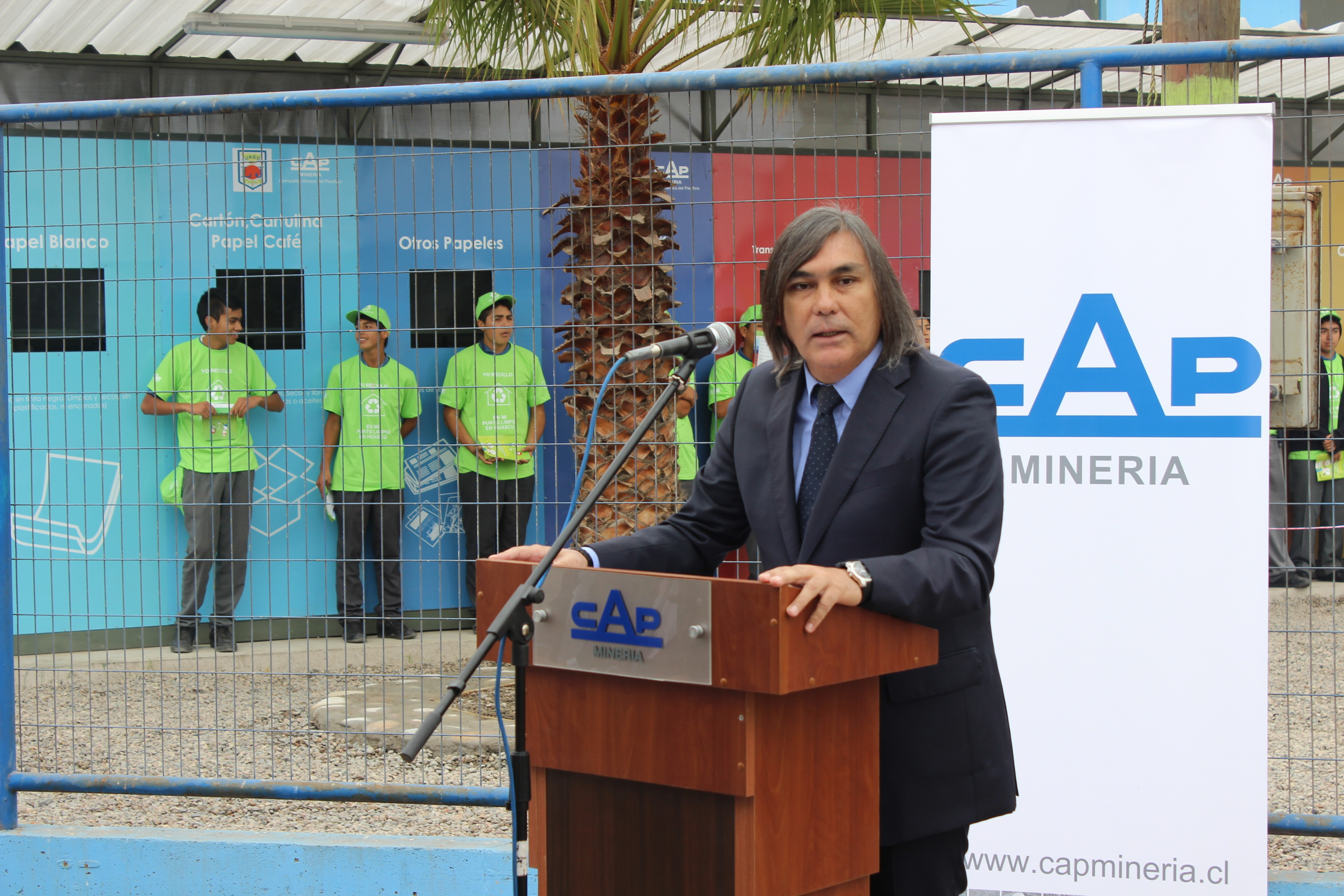 Alcalde de Huasco realiza gestiones que impiden despido de 70 trabajadores subcontratistas de CAP MINERÍA