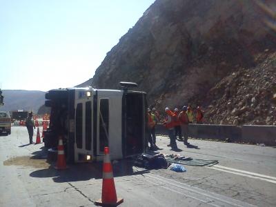 Camión vuelca en la ruta La Serena- Vallenar