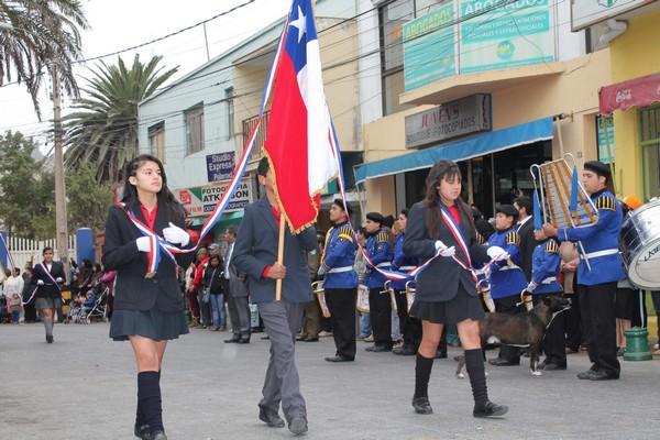 Vallenar homenajeó a sus carabineros en brillante acto cívico