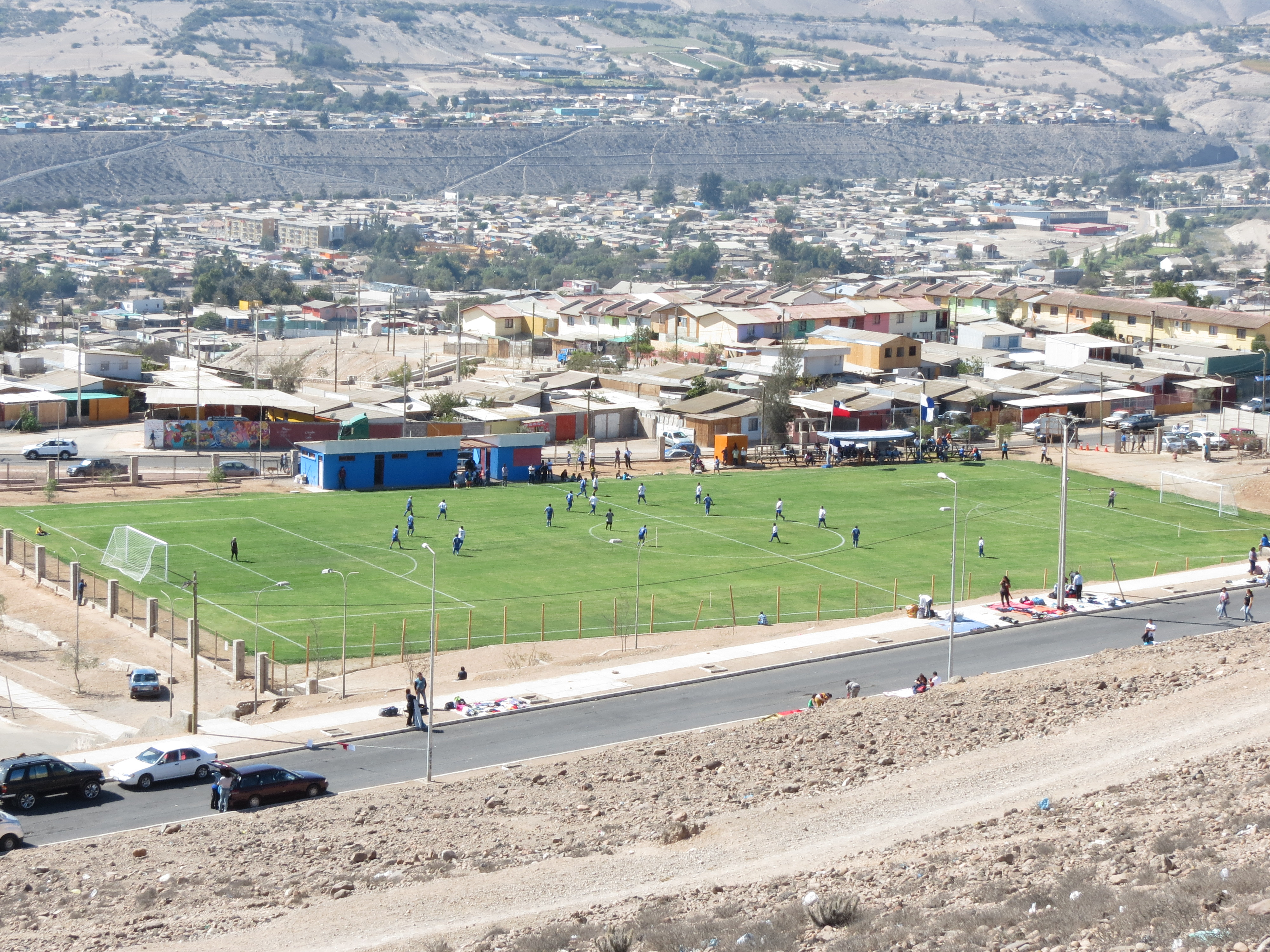 Inauguran nueva cancha de fútbol en Vallenar