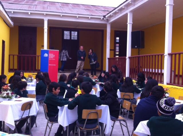 Realizan encuentro cultural entre escritores y alumnos de Huasco Bajo