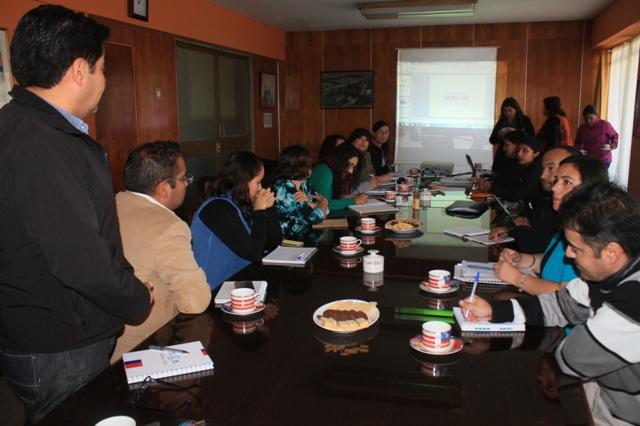 Programa Vínculos realiza primer encuentro informativo del año en Vallenar