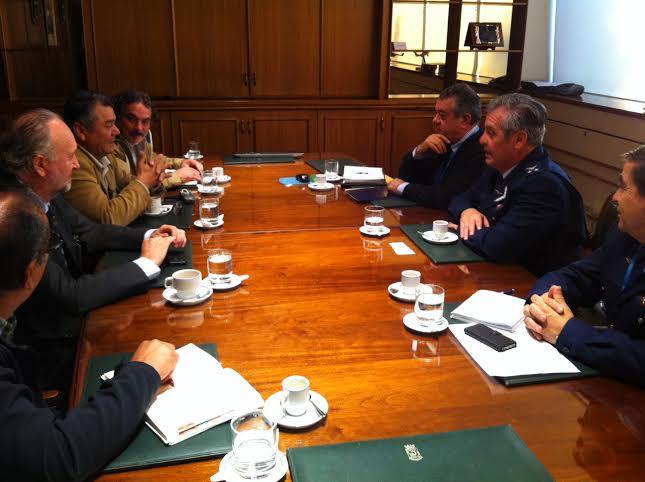 Prokurica se reunió con director de la DGAC para solicitar colaboración en arribo de vuelos de Sinami a Vallenar