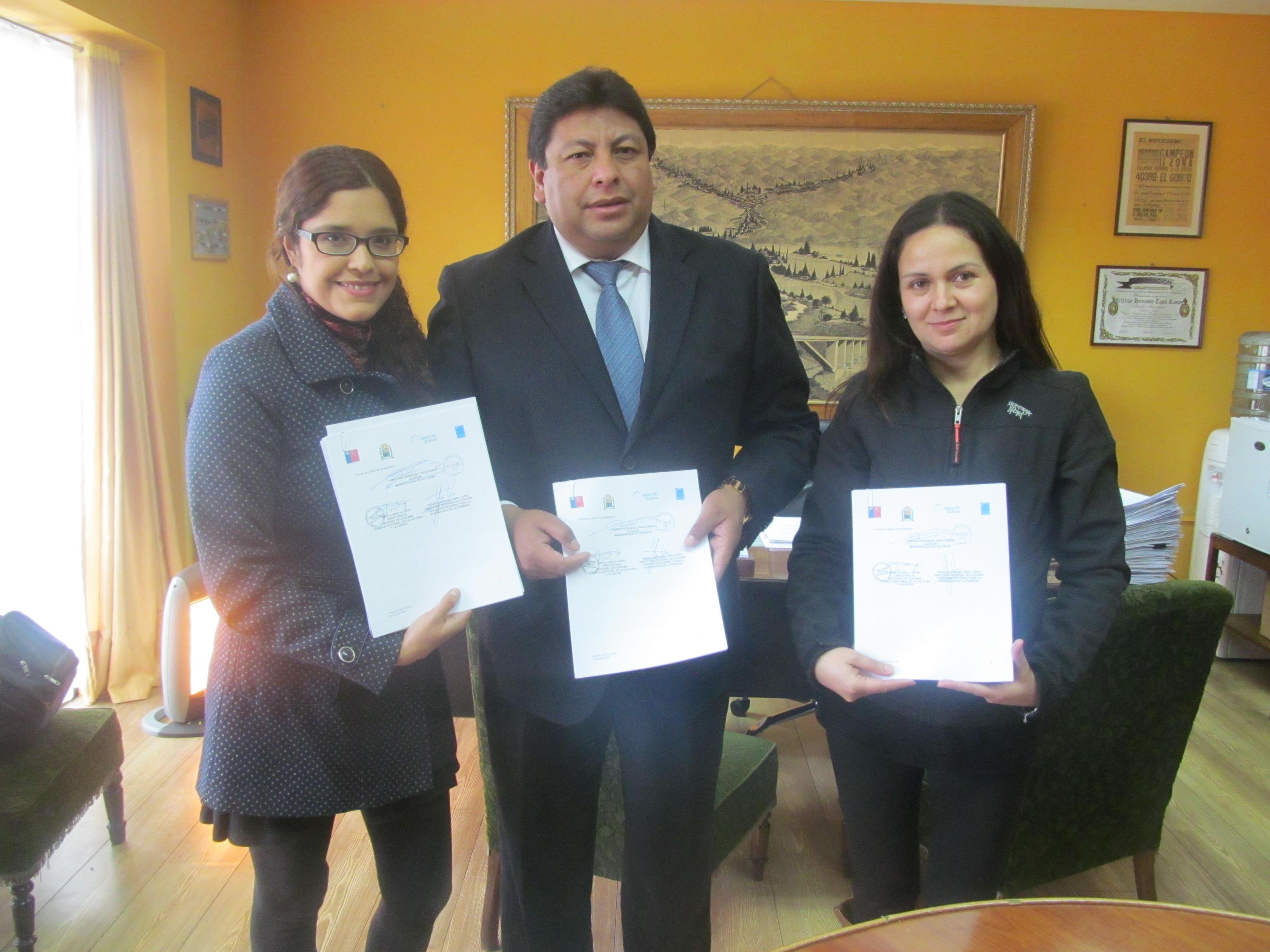 Firman convenio tripartito para ejecutar Servicio País Cultura en Vallenar
