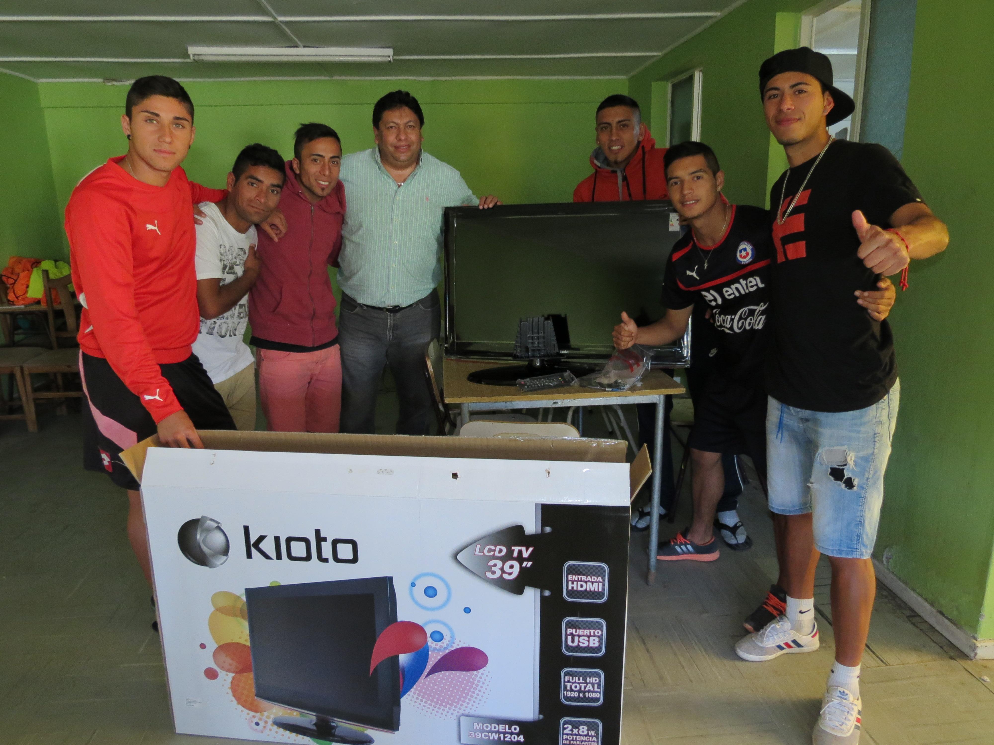 Motivan a jugadores de Deportes Vallenar con reconocimiento del municipio