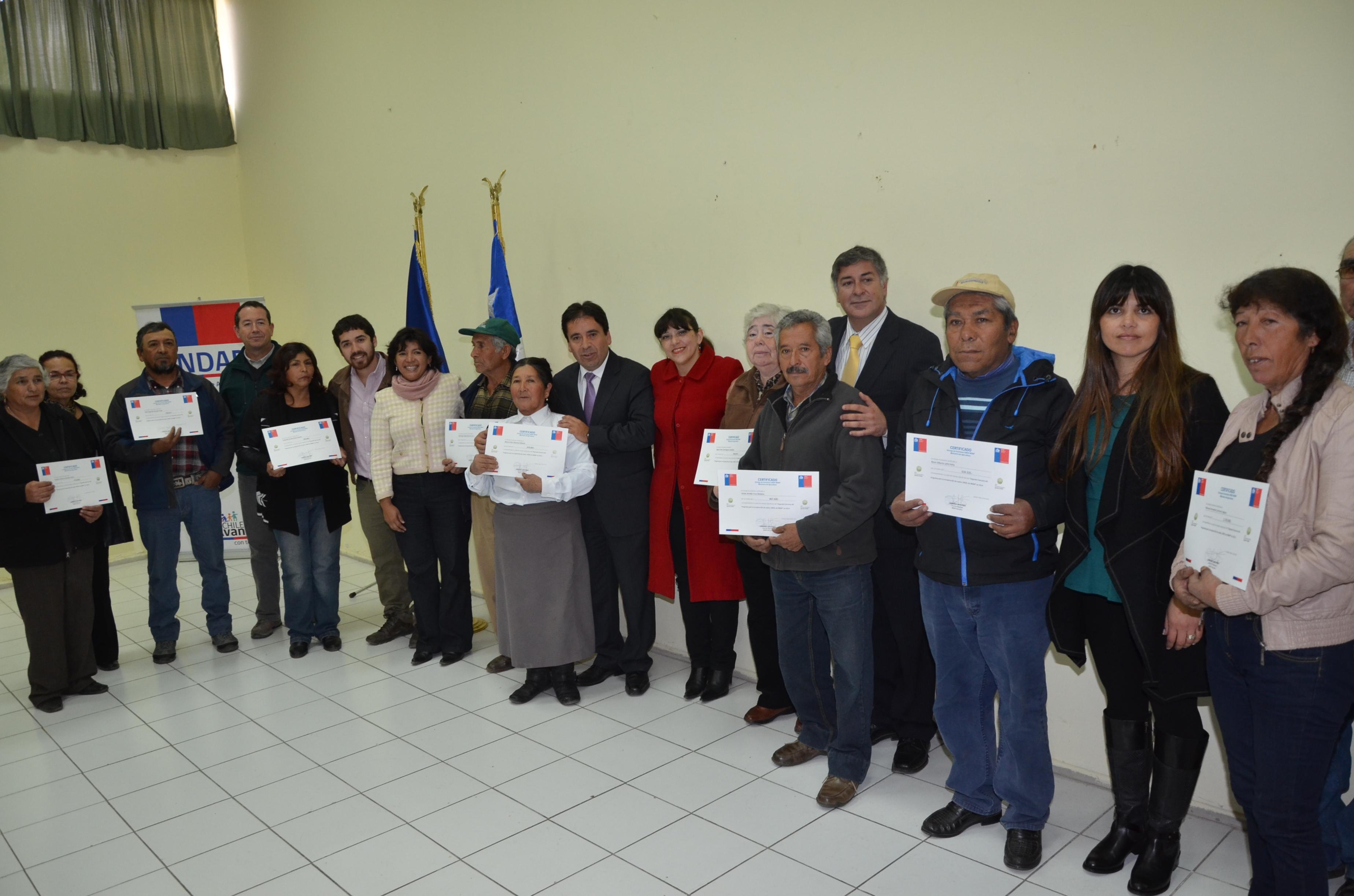 Entregan recursos a agricultores del Huasco para recuperar suelos degradados