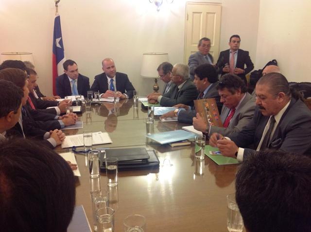 Asociación de Municipios del Norte entrega carta a la presidenta de Chile  con énfasis en medio ambiente, salud y vivienda