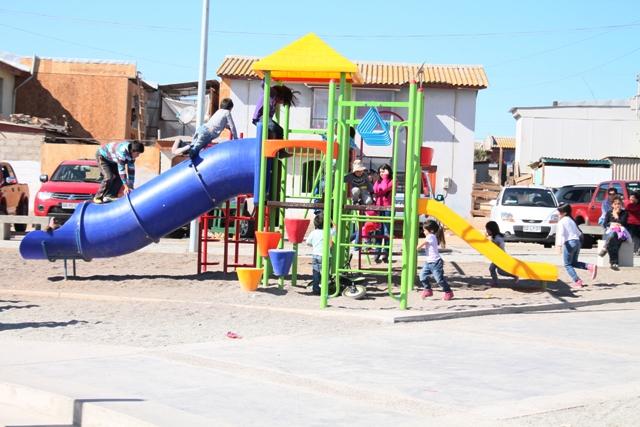 Inauguran obras en dos importantes Barrios en Vallenar