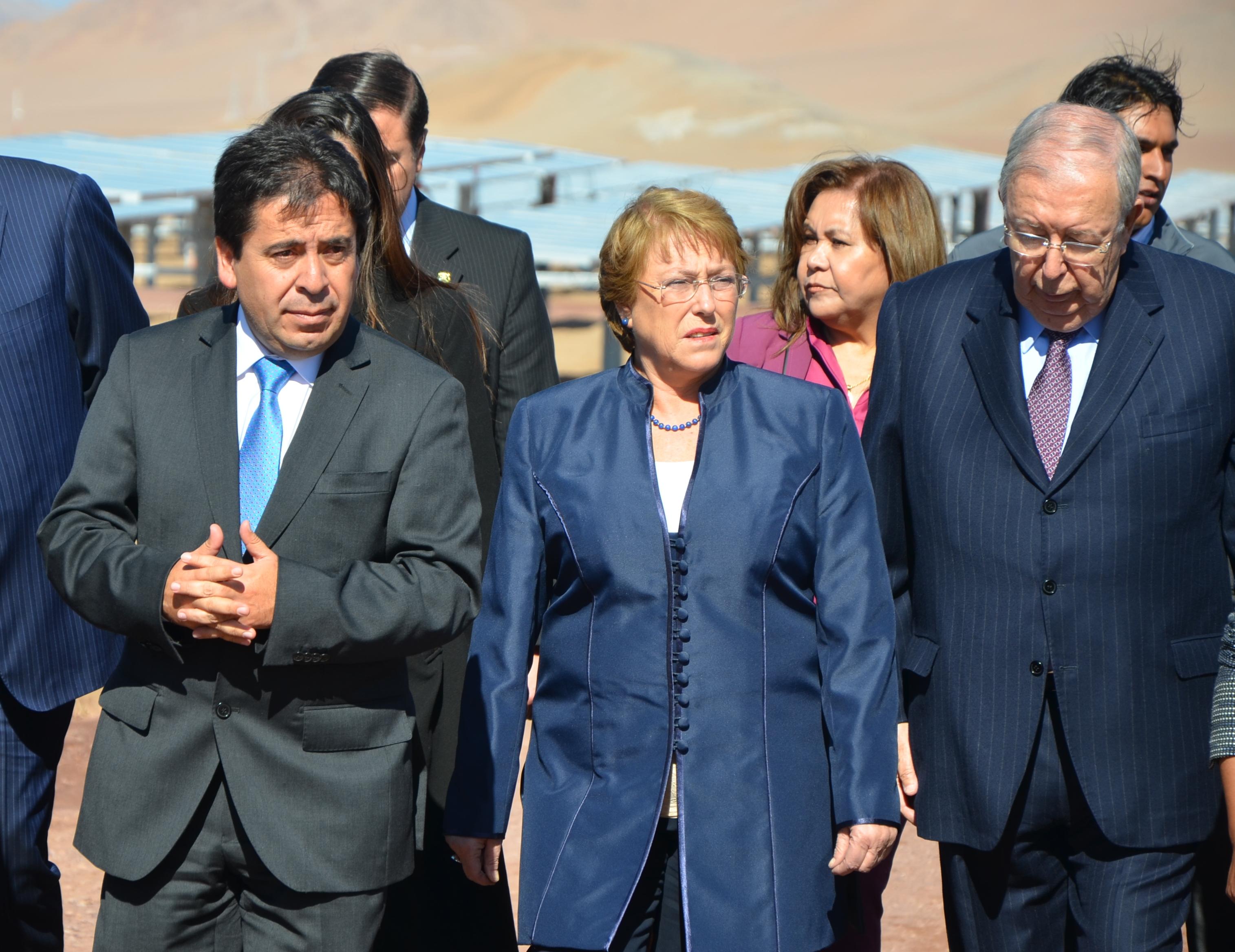 Intendente resalta esfuerzo público privado en la generación de energías limpias para Atacama