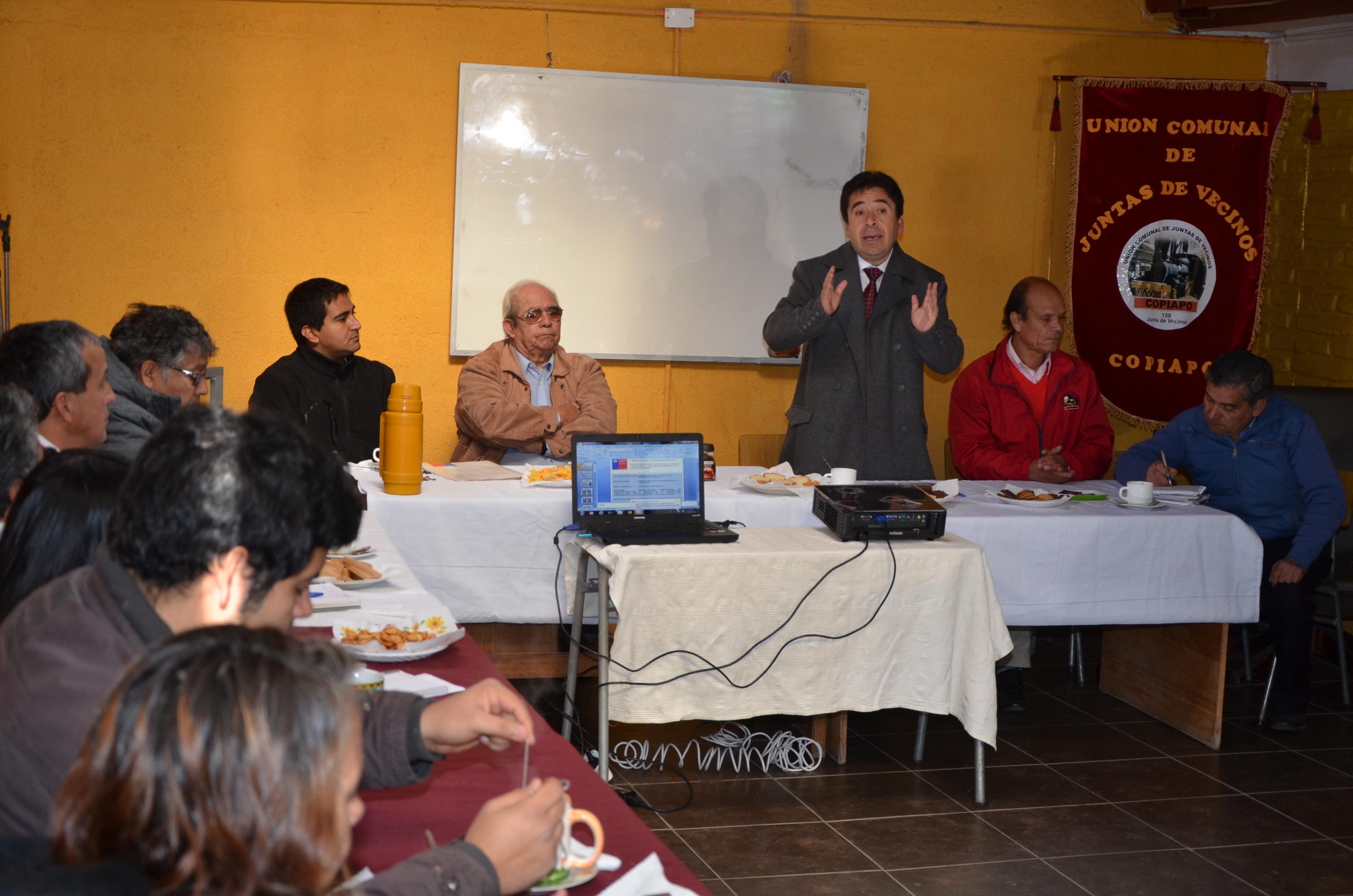 Solicitarán inclusión de demandas del sector público en presupuesto 2015 a raíz de paralización indefinida