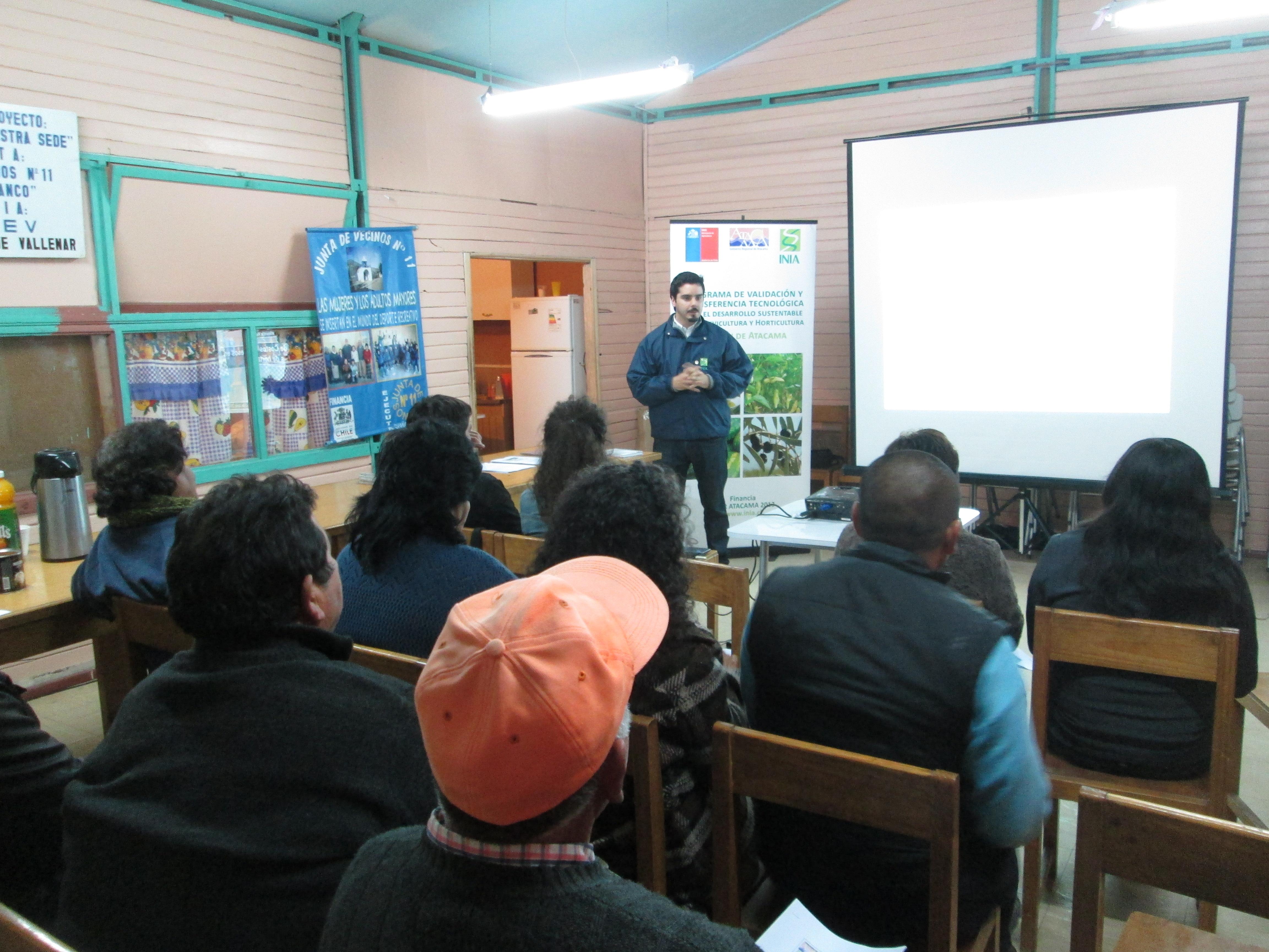Hortaliceros del Huasco reciben capacitación en manejo de costos para aumentar su rentabilidad