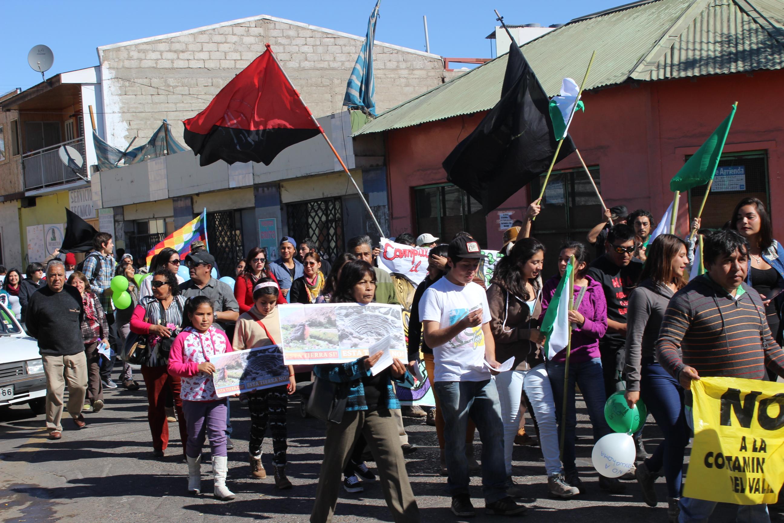 """Organizaciones critican al Gobierno por dejar """"la puerta abierta"""" a Pascua Lama"""