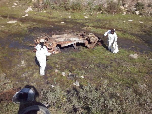 La chatarra de un vehículo fue encontrada en el río Huasco por agrupación que realizó limpieza