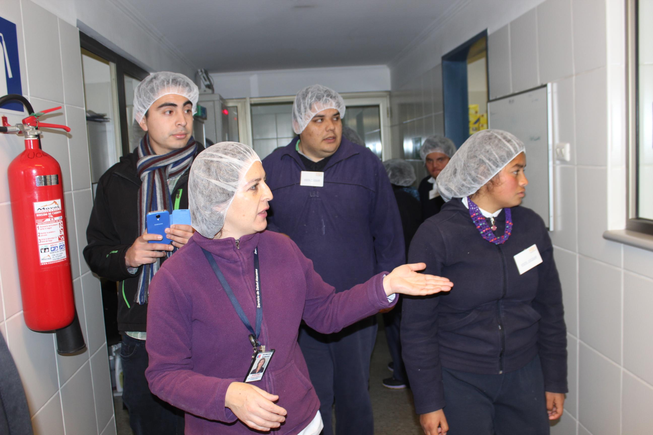 Hospital Provincial recibe visita de alumnos de escuela Luis Alberto Iriarte de Vallenar