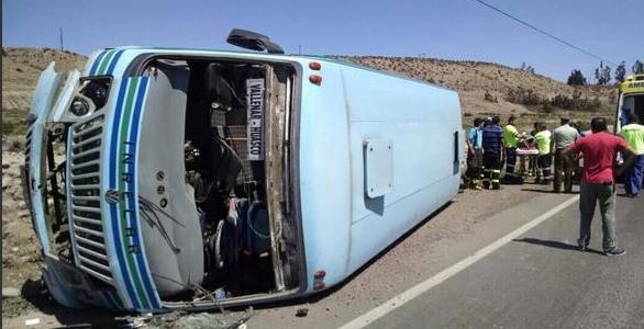 Minibus protagoniza accidente en ruta que une Vallenar con Huasco