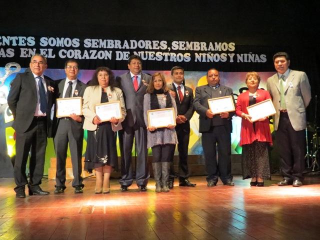 Profesores de Vallenar reciben reconocimiento por años de servicio en educación