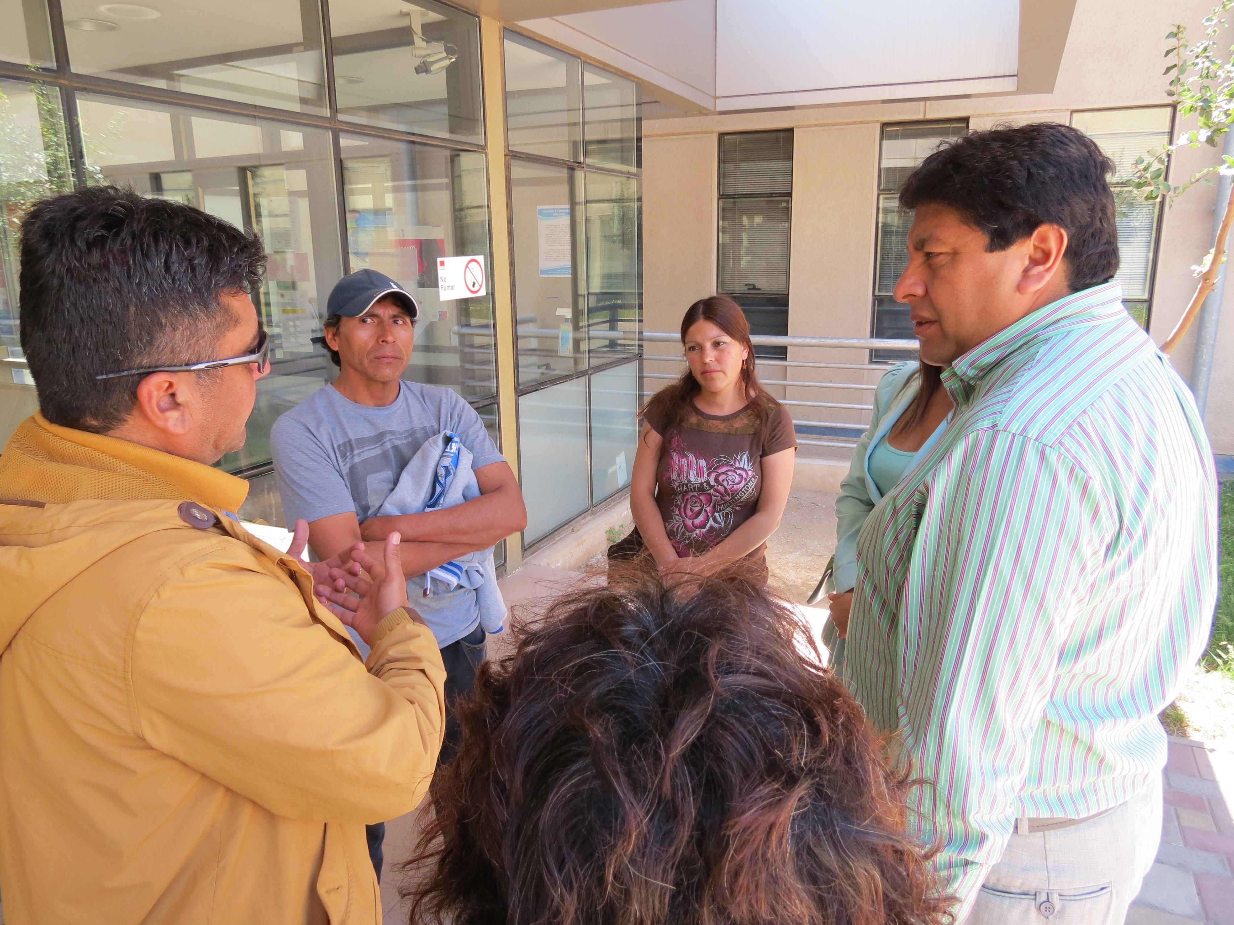 Familia de siamesas vallenarinas solicitan apoyo para trasladarlas