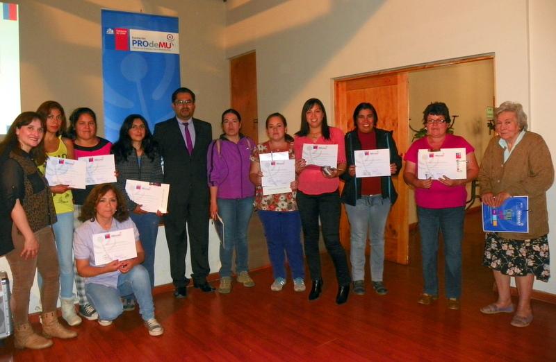 PRODEMU y superintendencia de Salud informaron de derechos a mujeres de Alto del Carmen y Vallenar