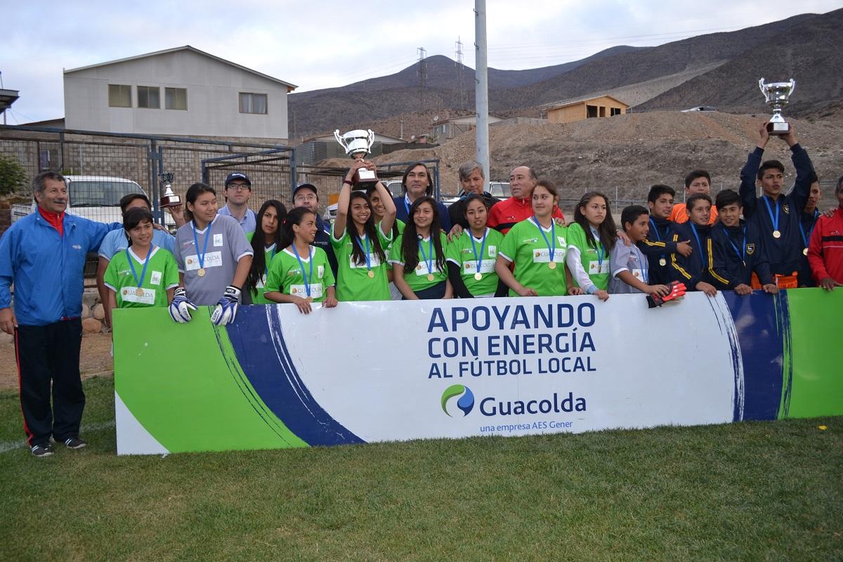 La alegría de los niños marca final de Liga Escolar Copa Guacolda