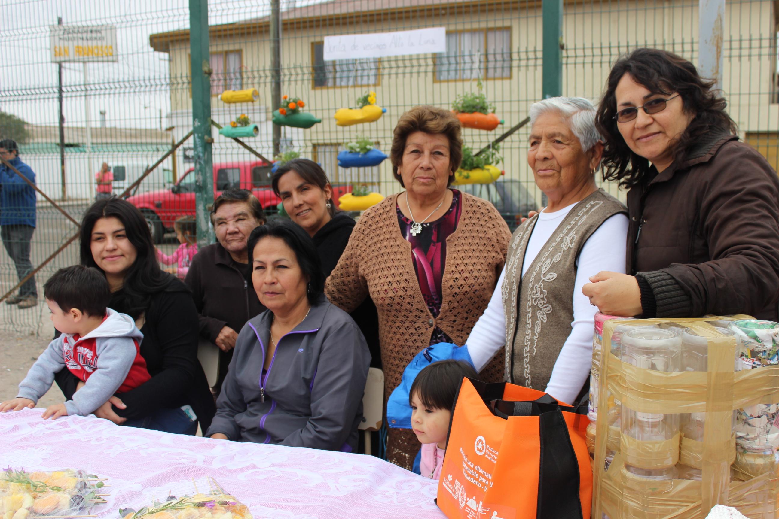 """Vecinos de sector """"Alto La Luna"""" se la juegan por el reciclaje en Vallenar"""