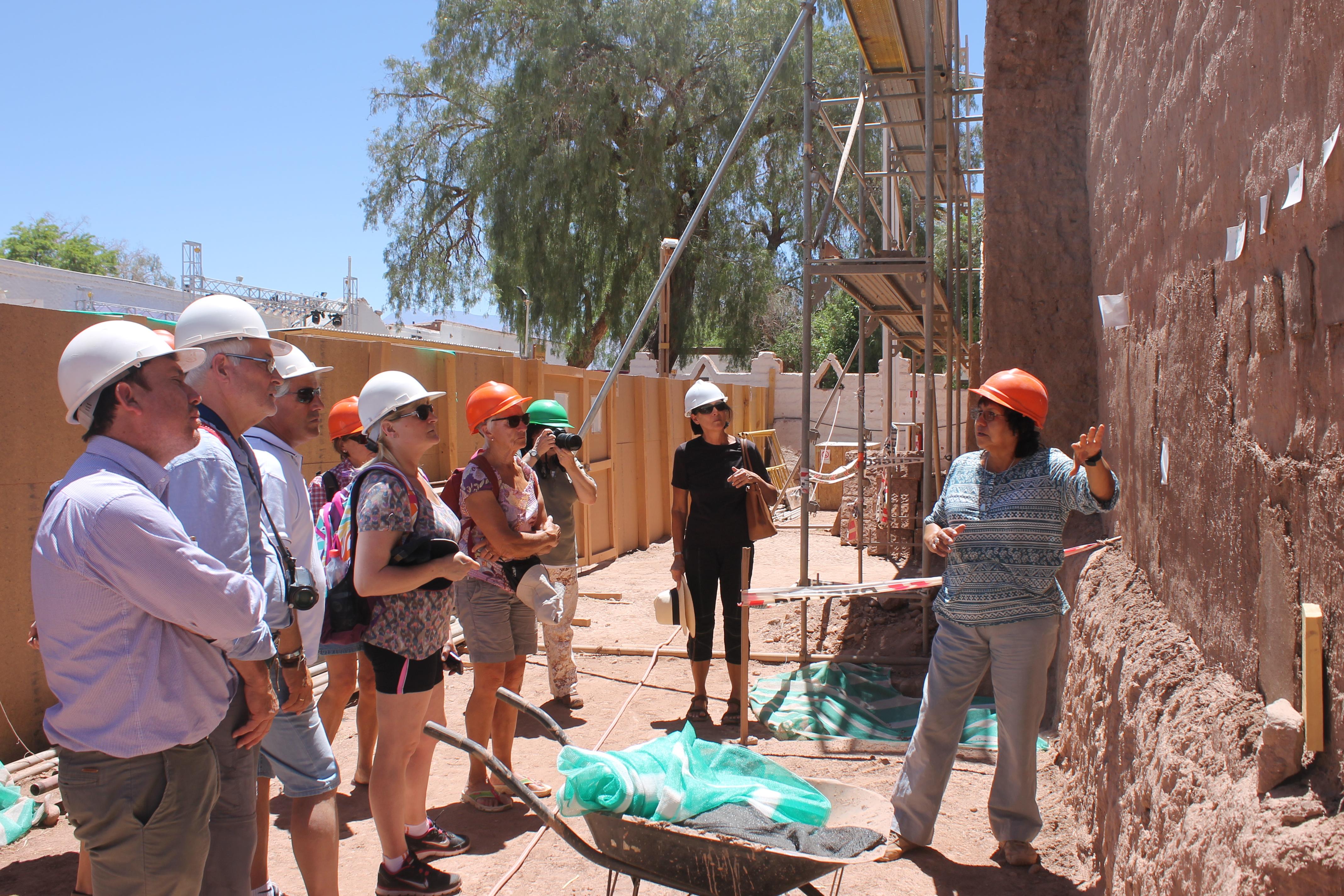 Alcalde de la Freirina visita restauración de iglesia de San Pedro de Atacama