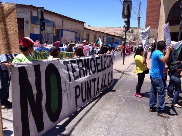 Vecinos del Huasco marcharon pacíficamente exigiendo revocación de RCA de Punta Alcalde