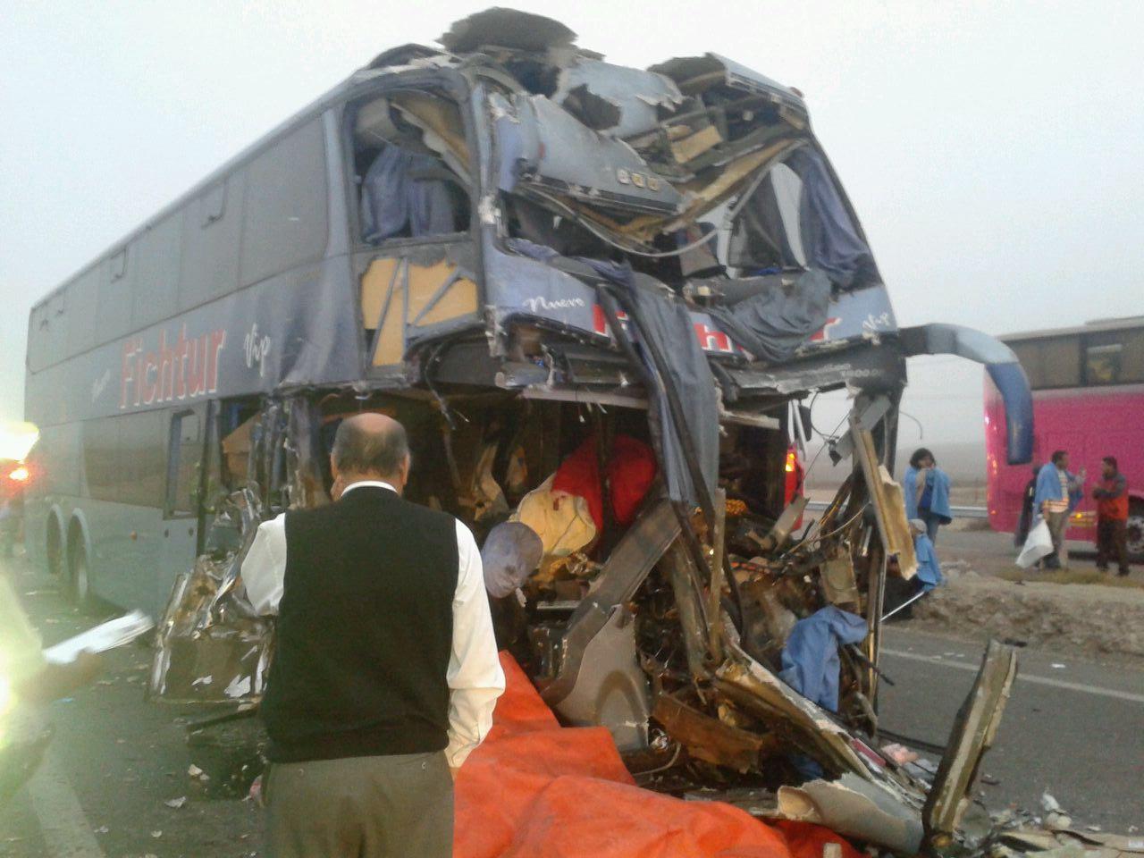Accidente al norte de Vallenar deja un muerto y 30 personas heridas