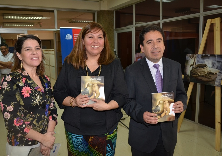 """Autoridades dan el vamos a exposición fotográfica itinerante """"Manos y Voces de las Quebradas"""""""