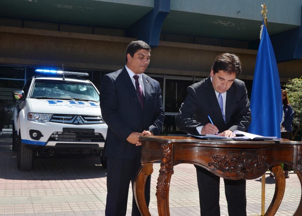 Gobierno Regional entregó nuevos vehículos policiales a la PDI de la provincia del Huasco