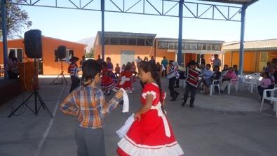 Directora de Cultura acompaña a niños y niñas de la localidad de Maitencillo en cierre de taller Folclórico