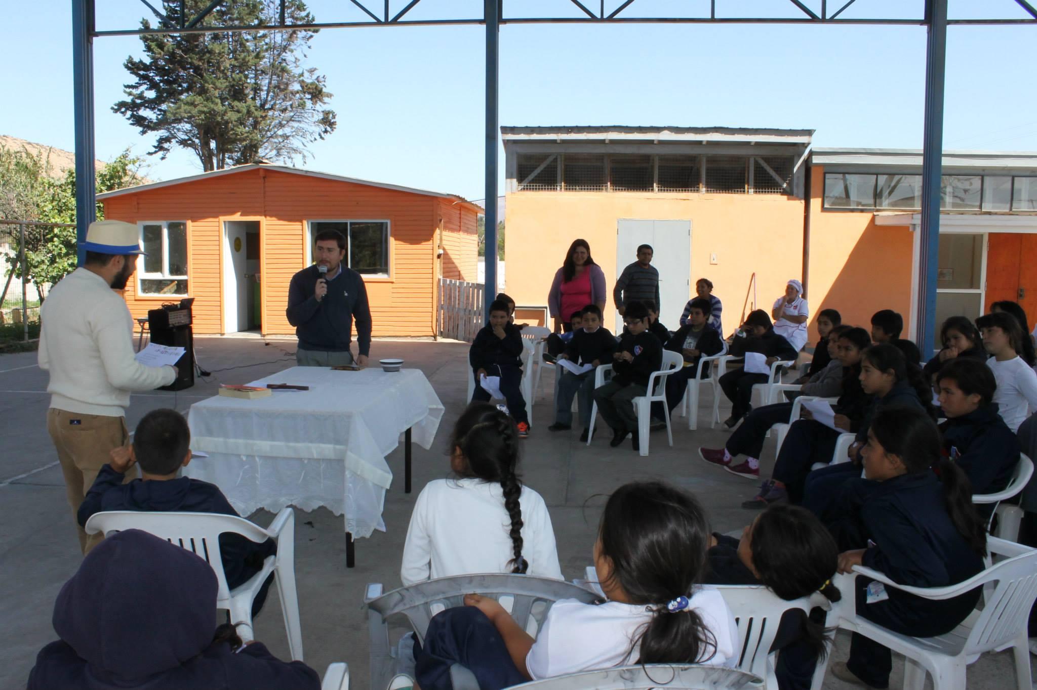 Niños de Maitencillo dialogaron con alcalde de Freirina